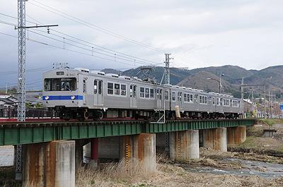 福島交通7000系3連