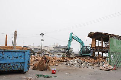 くりでん栗駒駅解体の様子