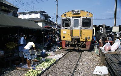 タイ・メークロン線