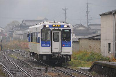 松浦鉄道夫婦岩駅交換