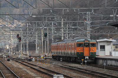 国鉄色115系(新見駅)