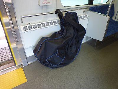 仙山線E721系輪行袋の納まり