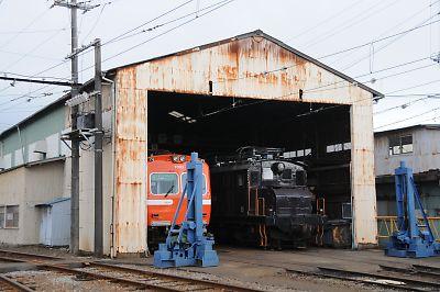 岳南鉄道(岳南富士岡駅)