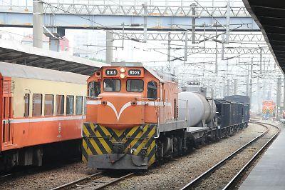 貨物列車(台湾/高雄駅)