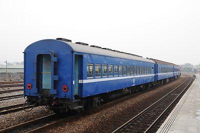 台湾の旧型客車(枋尞駅)