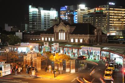 台中駅の夜景
