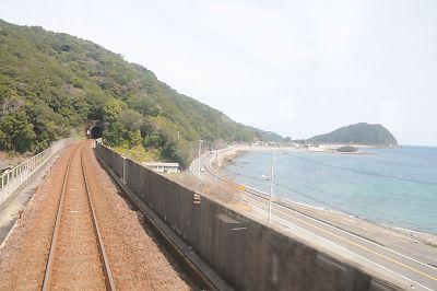 阿佐海岸鉄道の海の車窓(海部-宍喰間)