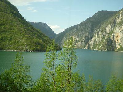 ポドゴリツアからサラエボまでのバスの旅
