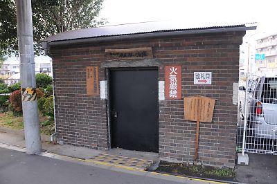 白石駅のレンガ倉庫