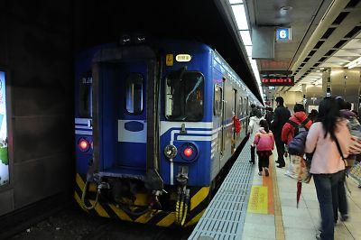 台湾500形交流電車(台北駅)