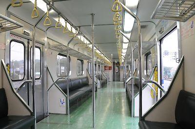 台湾500形電車の車内