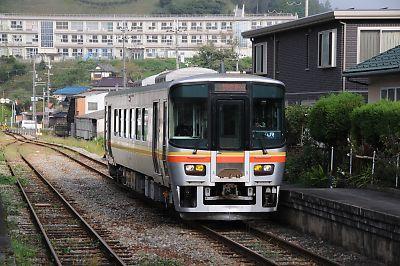 キハ122形(姫新線・三日月駅)