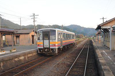 681D美作加茂駅