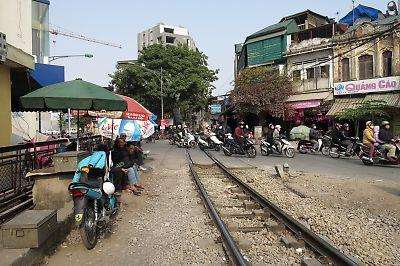 ハノイ市街地の線路