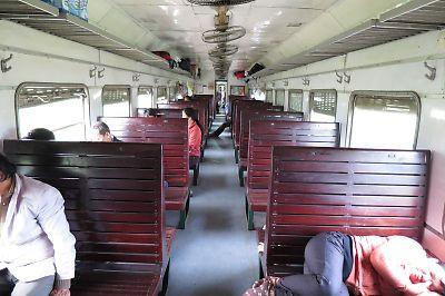 ベトナムの鉄道(ハードシートクラス)