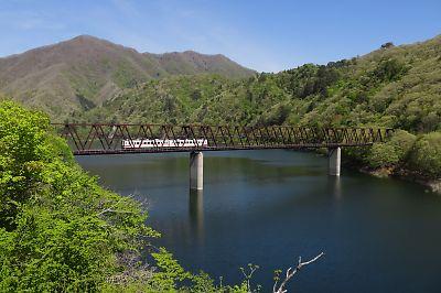 五十里湖と野岩鉄道