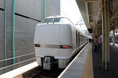 サンダーバード1号(富山駅)