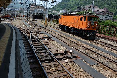ナローゲージの3分岐ポイント(黒部峡谷鉄道・宇奈月駅)
