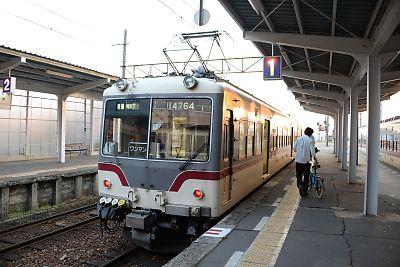 富山地鉄・上市駅