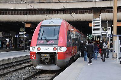 SNCFZ27500形電車(マルセイユ・サン・シャルル駅)
