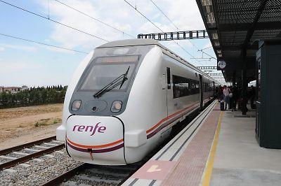 RENFE449系電車(Figueres Vilafant駅)
