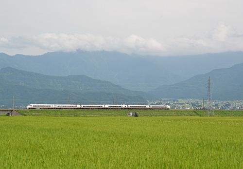 はくたか(ほくほく線・魚沼丘陵-六日町間)
