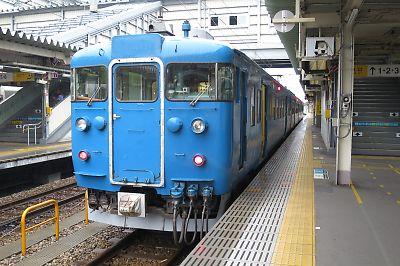 北陸線・413系(富山駅)