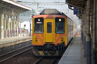 ディーゼル自強号(台南駅)