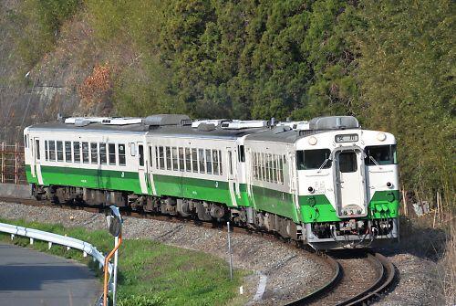 石巻線キハ40・キハ48の3連(沢田-万石浦/H27.4.19)