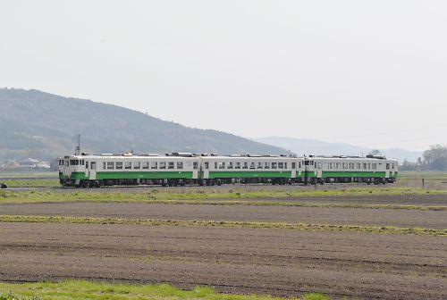 石巻線キハ40・キハ48の3連(涌谷-前谷地/H27.4.19)
