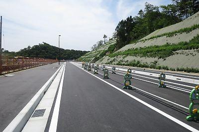 仙石東北ライン開業初日(東名駅)