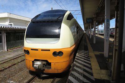 特急いなほ(羽後本荘駅)