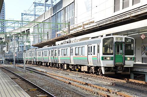 719系8連(仙台駅)