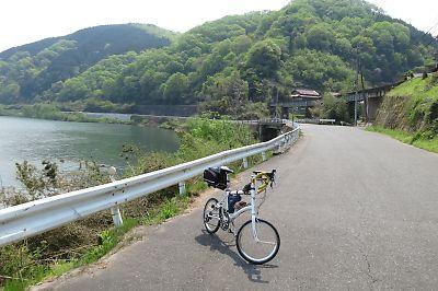 三江線・長部駅前