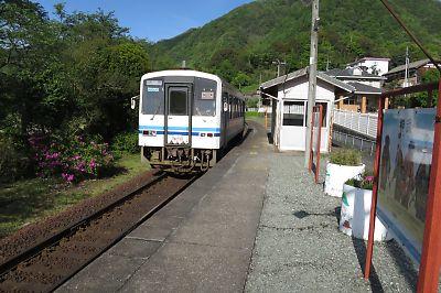 三江線・粕淵駅