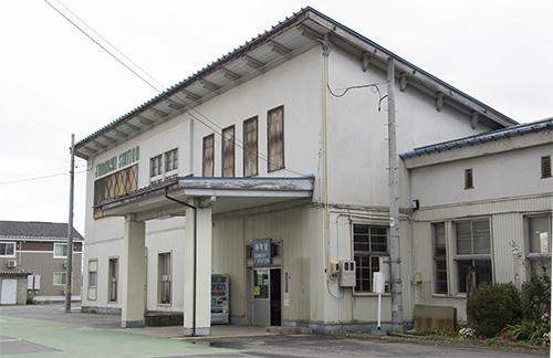 奥羽本線・神町駅舎