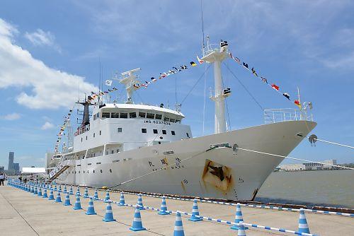 気象観測船「啓風丸」