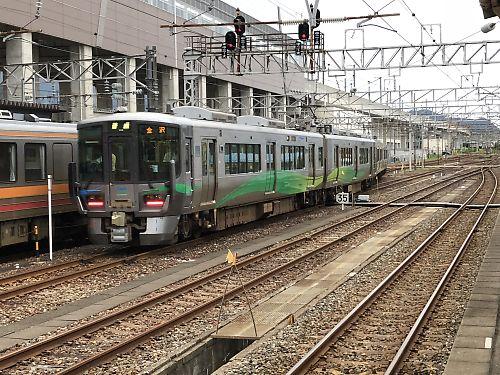 あいの風とやま鉄道521系(糸魚川駅)