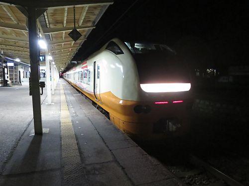 E653使用快速3950M(村上駅)