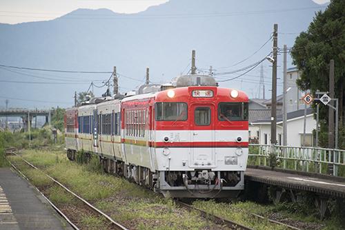 磐越西線2225D・キハ40系4連(新関駅)