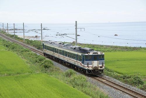 825D(羽越本線・間島-村上)