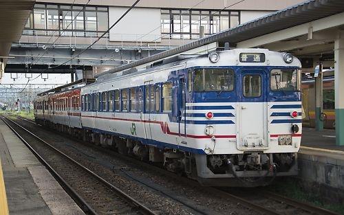 信越本線・新津駅